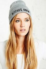 Urban Outfitters Married To The Mob B * tches saber Gris Gorro BNWT RRP £ 20