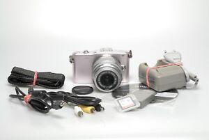 Olympus-Pen-Mini-E-PM1-mit-3-5-5-6-14-42mm-II-R-MSC-inkl-Zubehor