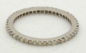 18K white gold elegant high fashion .90CTW diamond eternity band ring size 6.75