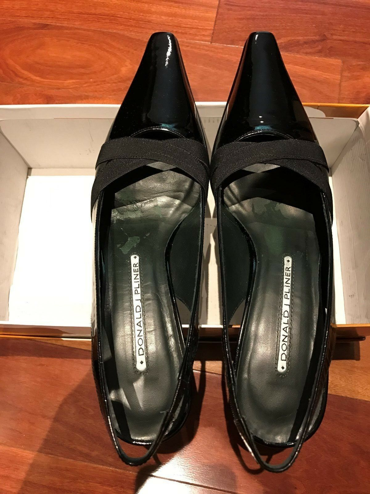 Donald J Pliner M070 shoes 7.5M