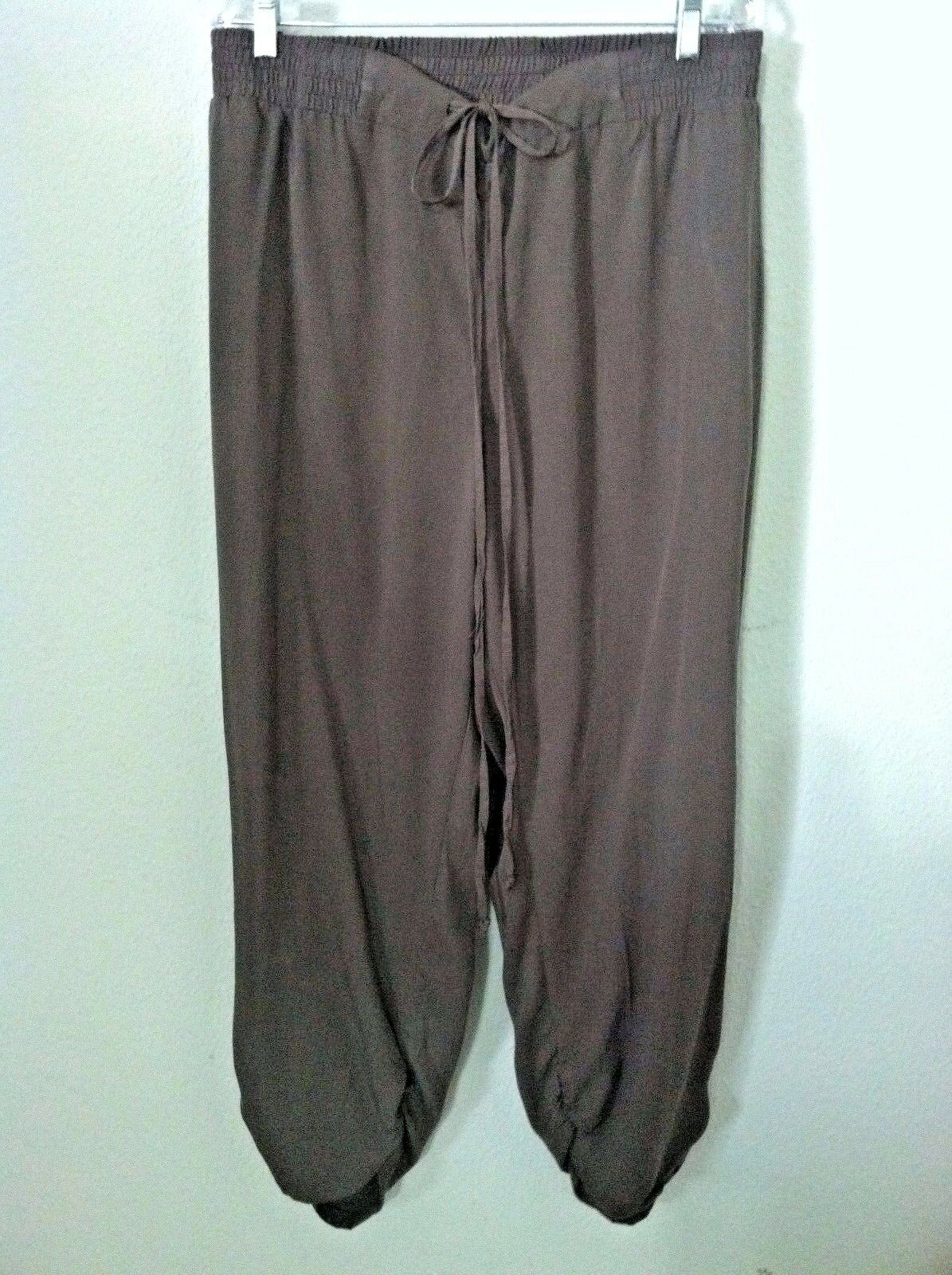 26 28 New Lane Bryant woman plus pant casual cropped capri ruched brown pull up