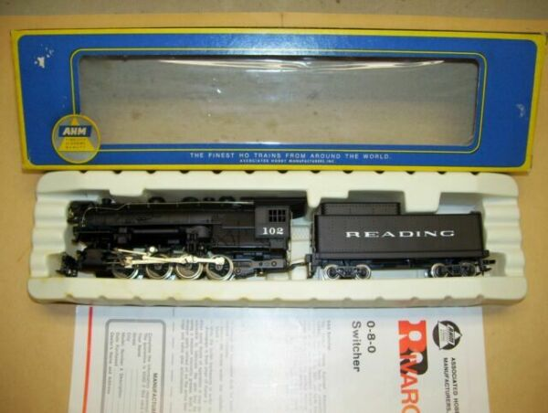 * NEW OLD OLD STOCK * Ho Train  AHM//RIVAROSSI 0-8-0 TENDER READING R.R