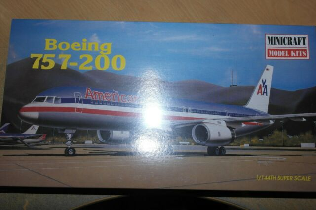 MINICRAFT 1:144 BOEING 757-200 AMERICAN AIRLINES 14449