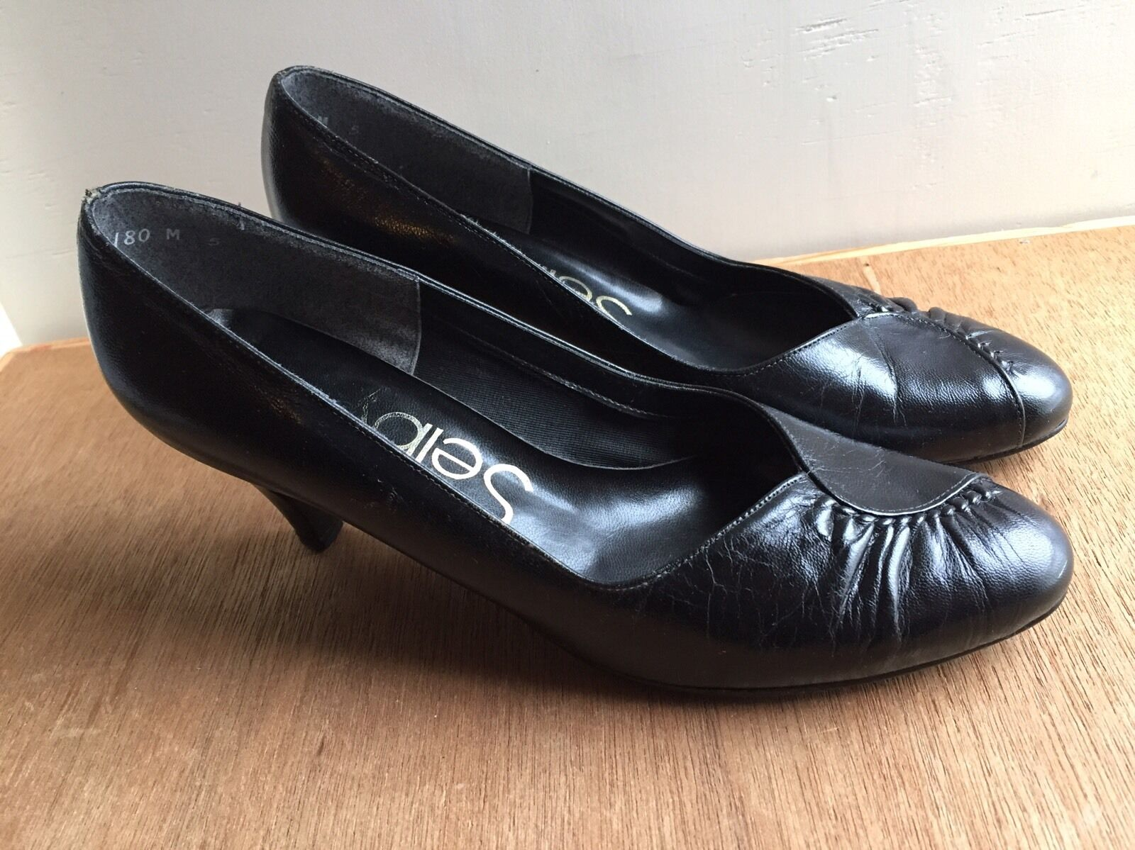 Vintage Selby Black low heel leather Toe Womens Classic Shoes Ruched Toe leather Size 7 B/2A 203a9e
