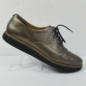 4ab1eb510a Image is loading Clarks-Artisan-Leather-Lace-Up-Metallic-Gold-Oxfords-