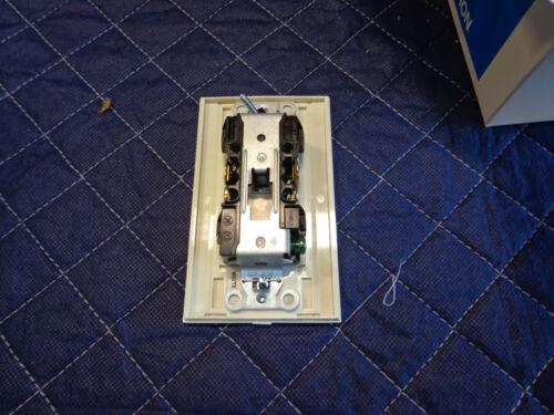 Lutron Light Almond Lot of 12 NTR-15-LA Receptacle 15A Nova T 125V