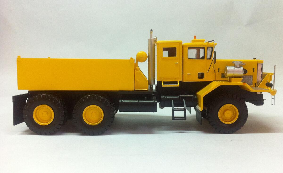 Resin 1 50 OSHKOSH J30120 6x4 Prime Mover-prêt construit par FanKit Models