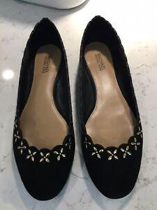 utlopp billigare specialavsnitt Michael Kors Black Suede Ballerina Pumps, With Gold Detail. Size 3 ...