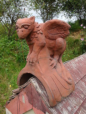 Baby Griffin roof finial half round decorative ridge tile stone ornament