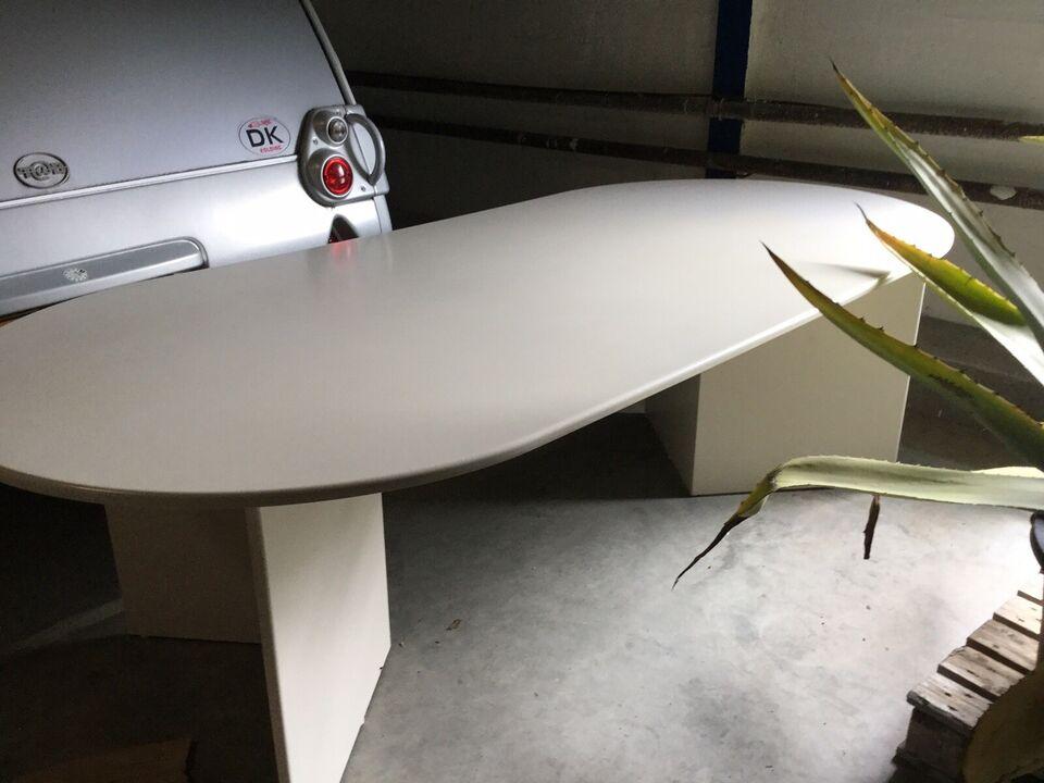 Spisebord, Hvid lakeret træbord af møbelplade , b: 115 l: