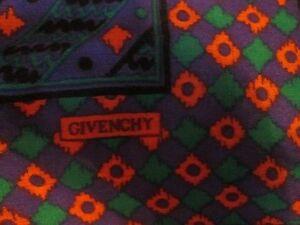 9aa76534d4cd Magnifique Foulard GIVENCHY en laine et soie TBEG vintage scarf 88 x ...