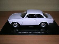 Atlas FABBRI ALFA ROMEO GIULIA GT 1300 JUNIOR anno di costruzione 1966 Bianco White, 1:24