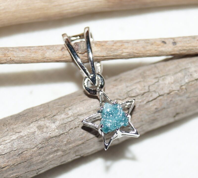 0.38CT NATURAL GREEN blueE ROUGH DIAMOND PENDENT UNCUT RUSTIC DIAMOND 925 PENDENT
