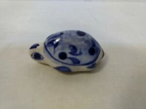 Vintage-Blue-amp-White-Decorative-Ceramic-Turtle-Figure-hd2888