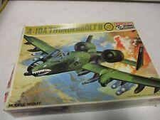 Neu Hasegawa 01573-1//72 A10C Thunderbolt II