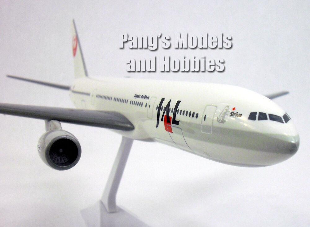 Boeing 777 -200 japan Airlines 1  200 av Fljus Miniatyurs