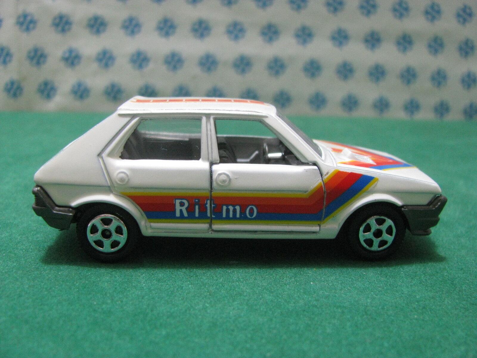 RARO Vintage Vintage Vintage - FIAT RITMO 65 Especial - 1 43 Hot Wheels  - nueva 8b90d3