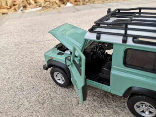 WELLY 1:24 Land Rover Defender SUV Alloy Car Model Boys Toys Static Display