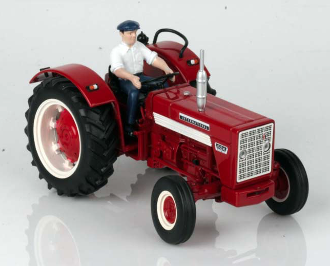 REPLICAGRI 1 32 SCALE INTERNATIONAL 624 2WD WITH TRACTOR DRIVER MODEL TRACTOR