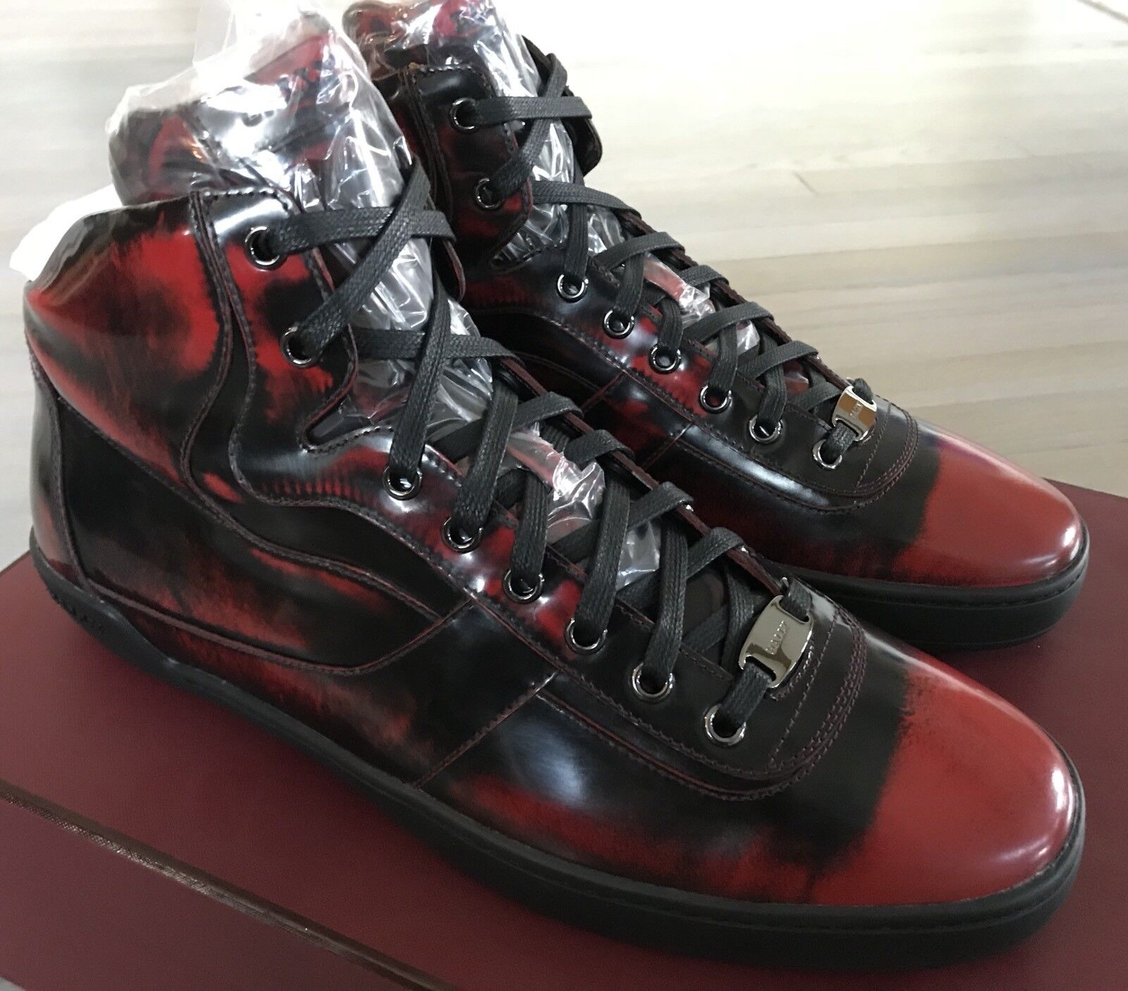 700  Bally Eroy 523 rosso and nero Brushed Brushed Brushed High Tops scarpe da ginnastica Dimensione US 9 d3d0c7