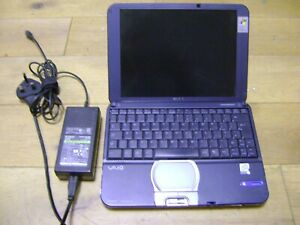 Sony Vaio PCG-SRX51P/A PCG-462M Pentium III Laptop with Charger - NOT WORKING