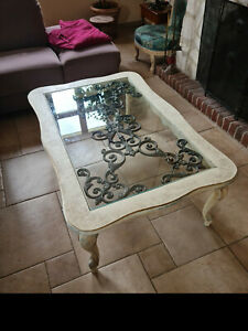Table basse de salon en bois, verre et fer forgé