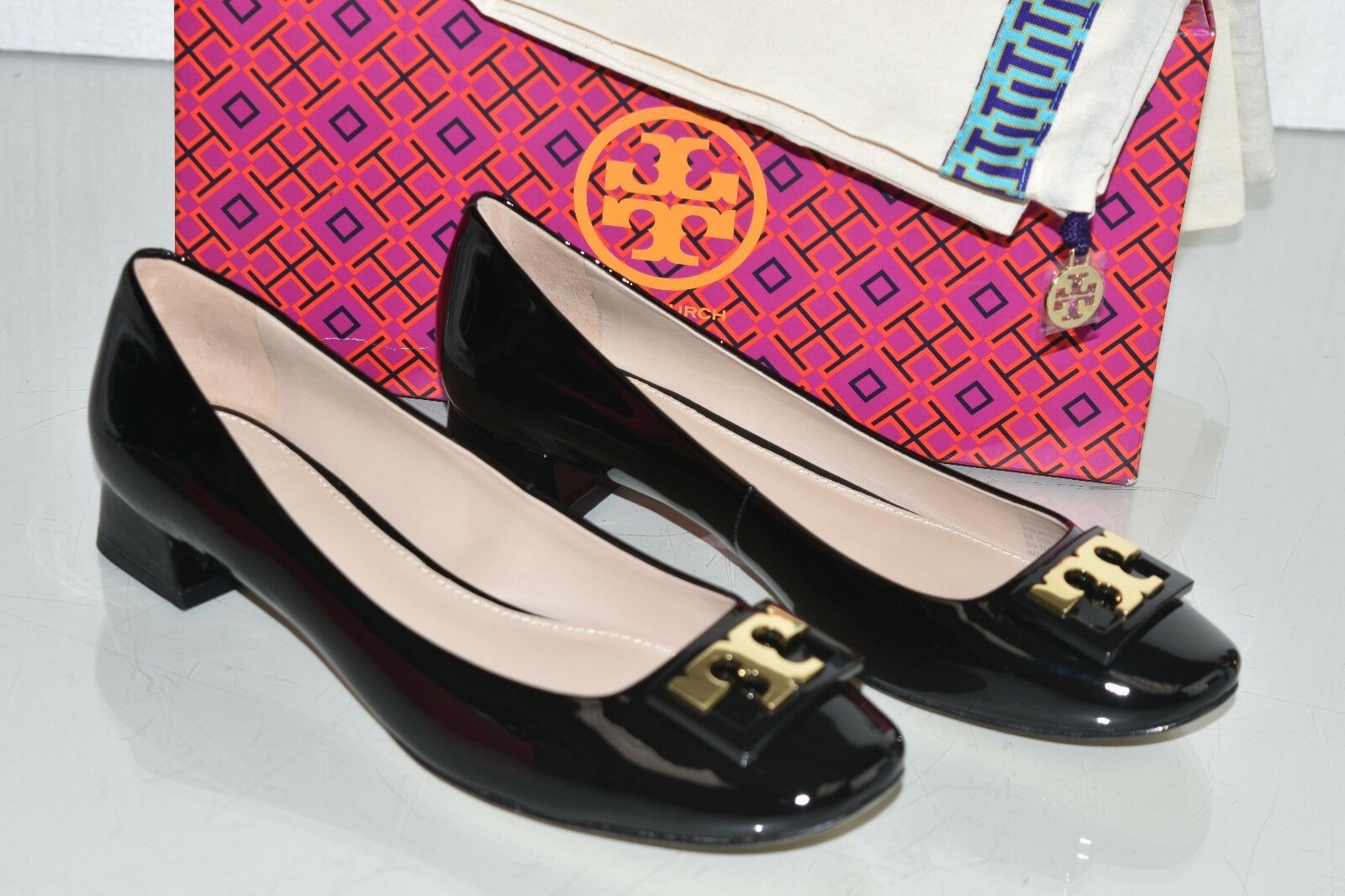 Nuevas bombas de Tory Burch Gigi Gigi Gigi Suave Charol Negro oro Logo Flats zapatos 8 9.5  venta con descuento
