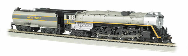 BACHMANN 53502 HO Scale UP #807 4-8-4 Steam Locomotive & Tender DC