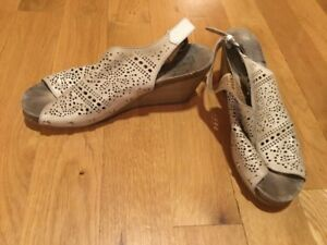 Womens-Pikolinos-Sage-Leather-Hippie-Open-Toe-Wedge-Sandals-Size-42