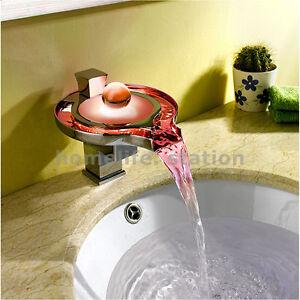 LED-Robinet-de-lavabo-Mitigeur-de-Baignoire-Cascade-Salle-de-Bain-Chrome-Couleur