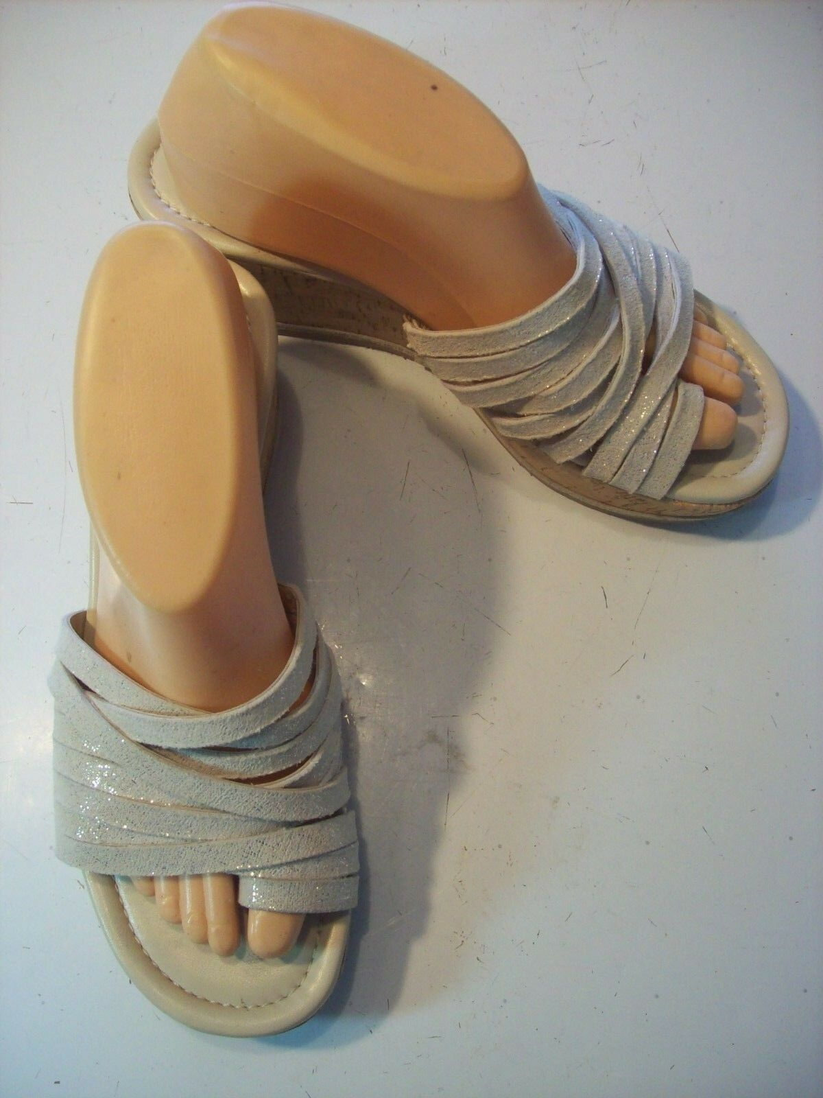 Donald Pliner Sheena 2 Sandals Ivory Silver Strappy Platform Sandals 2 Shoes Size 8 cLOSeT 05c016