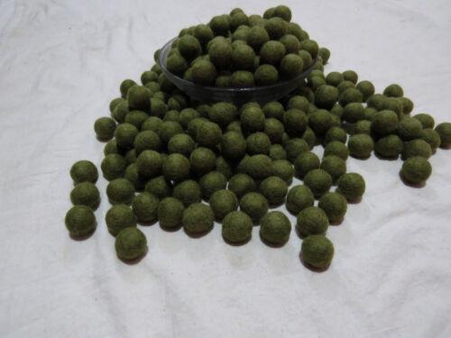 US29 x lot Hand Craft 2 cm 20 mm pom pom bead wool Green Color Nursery Felt Ball