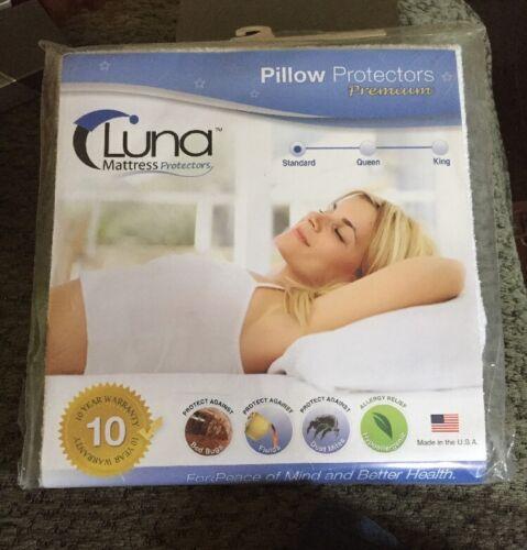 Luna Premium Hypoallergenic Bed Bug Proof Zippered Waterproof Pillow Protector 1