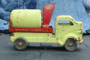 Lincoln-Toy-Cement-Mixer-Delivery-Construction-Truck-Canadian-pressed-steel
