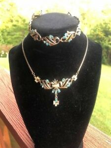 Vintage-Sky-Blue-amp-White-Clear-Rhinestone-Necklace-amp-Bracelet-Set-Goldtone
