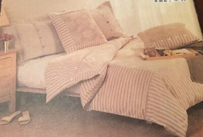 UNCUT Vogue Sewing Pattern BEDROOM Twin~Full~Queen~King DUVET COVERS & Pillow