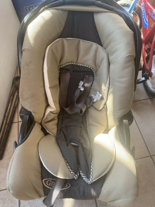 Graco Car Seat with base