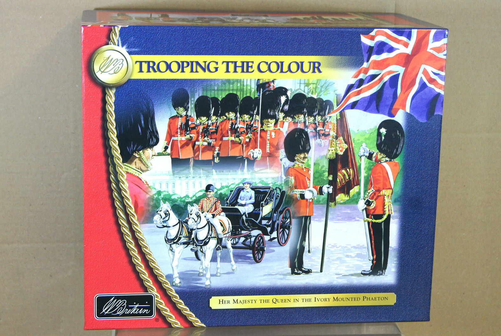 BRITAINS 40111 TROOPING THE COLOUR COLOUR COLOUR HER MAJESTY THE QUEEN in the IVORY PHAETON nj d0b