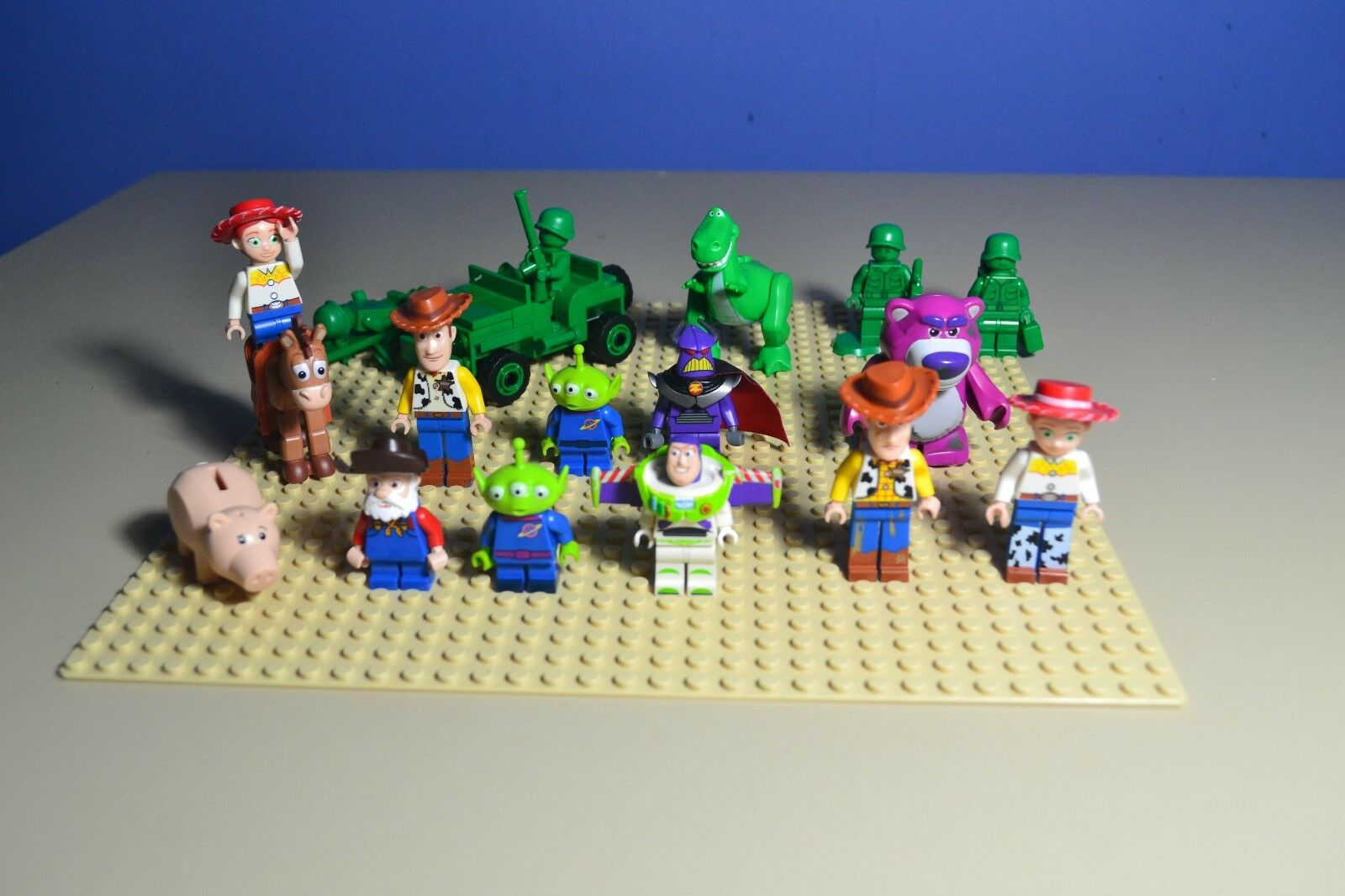LEGO TOY STORY MINIFIGURE LOT