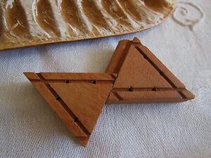originale brandebourg ancienne en bois brut  à teindre ou tel que n°2