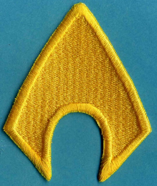 "AQUAMAN  3"" x 2.5"" Fully Embroidered Yellow Insignia Buckle sized Iron-on Patch"