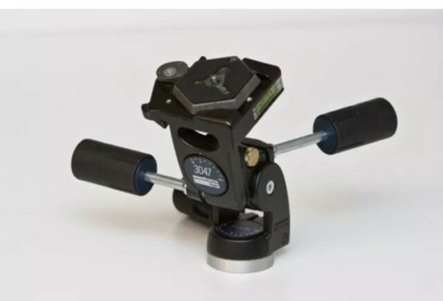 Manfrotto 3047 Pan-and-Tilt Tripod Head with Level