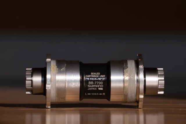 SHIMANO DURA-ACE BB-7700 OCTALINK V1 70 X 109.5 ITALIAN THREADED BOTTOM BRACKET