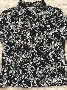 NWT-Croft-amp-Barrow-Womens-sz-M-Black-White-Pattern-Short-Sleeve-Blouse-Shirt
