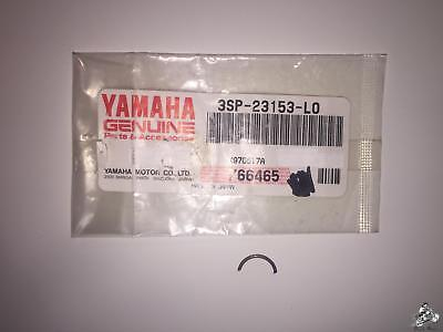 Yamaha 4V4-23153-L0-00 RING SNAP