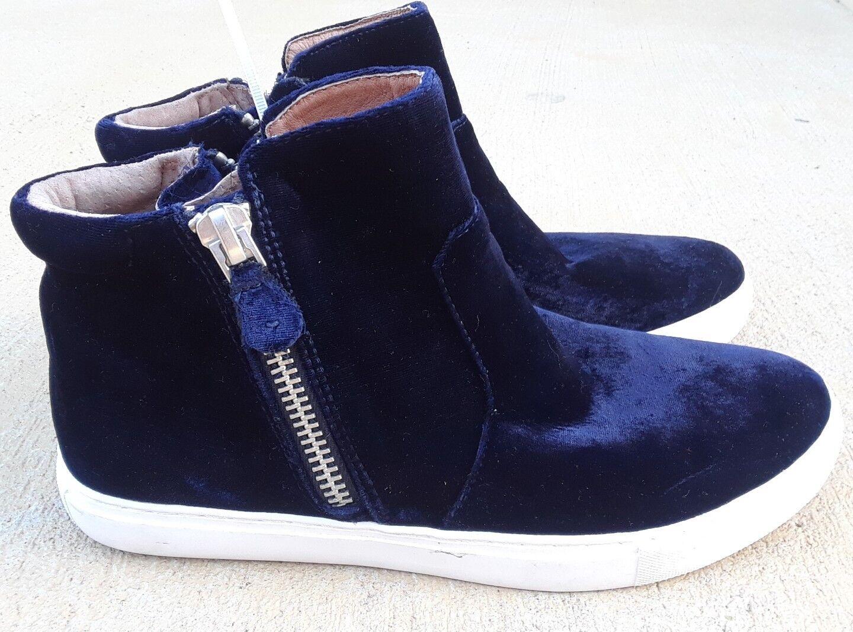 Kenneth Cole Gentle Souls Carole Zip Sneaker bluee Velvet Size 9.5M MSRP  120