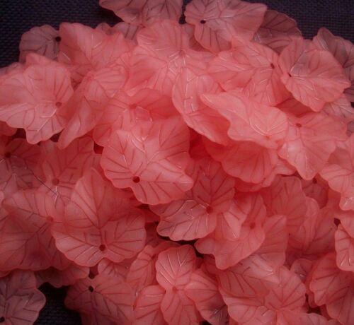 40 rosa salmón Esmerilado Acrílico Hojas encantos de hoja 24 mm