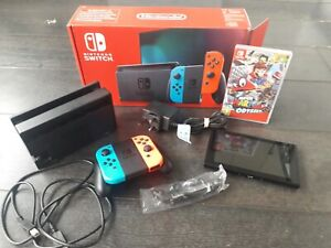 Nintendo-Switch-32-GB-Neon-red-and-blue-Console-excellent-condition-boxed