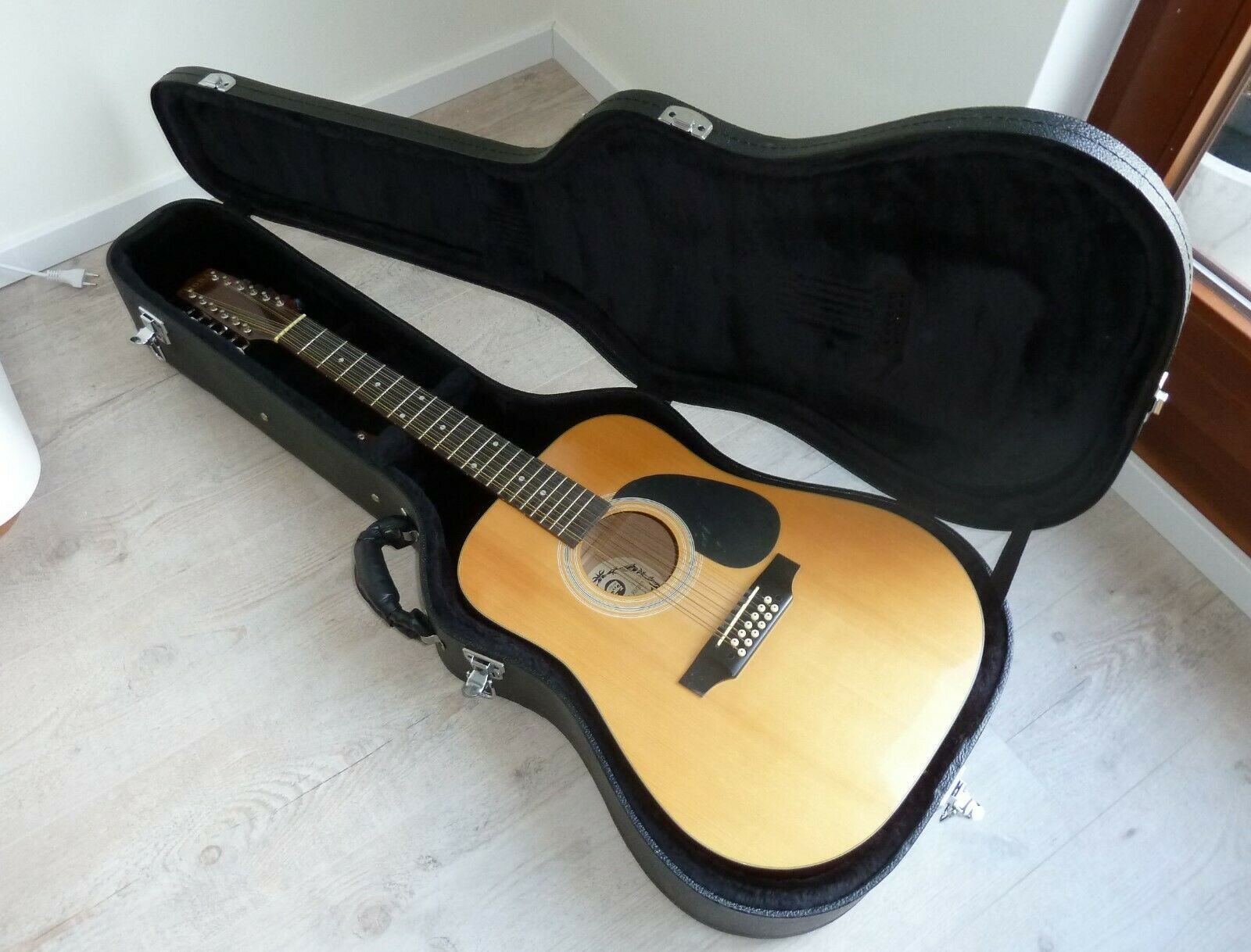 Akustikgitarre, Konzertgitarre, Westerngitarre, Gitarre - Hora S.A.Reghin
