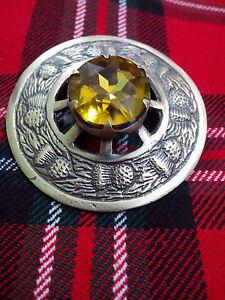 Kilt-Fly-Plaid-Brooch-Thistle-Design-Yellow-Stone-Highland-kilt-Antique-Brooches